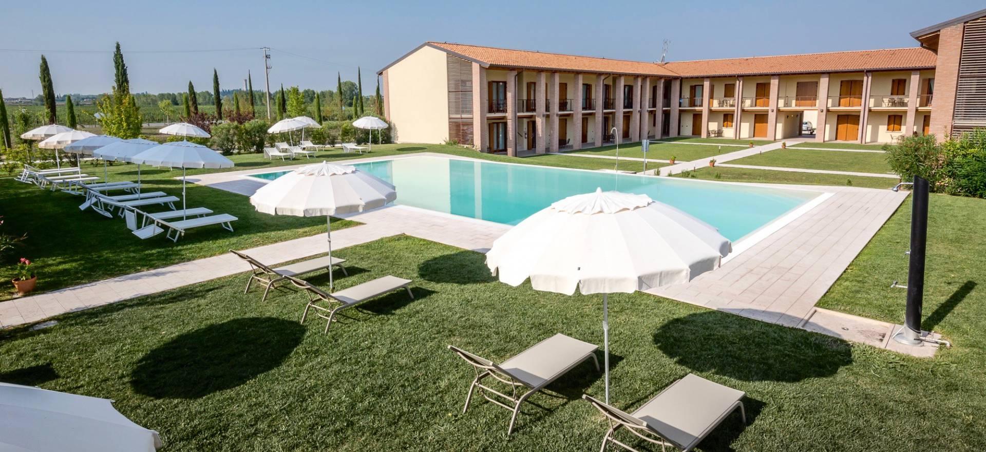 Agriturismo Comer See und Gardasee Agriturismo Gardasee, mit großem Pool, ideal für Familien